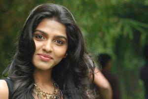 Actress Dhanshika Wallpapers