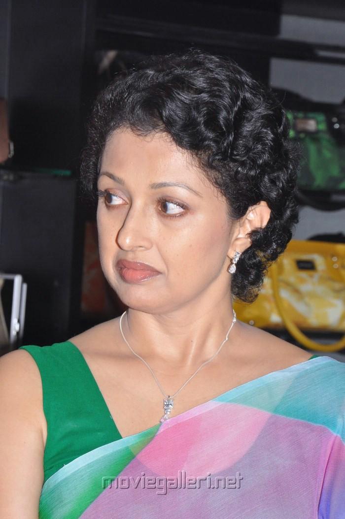 Picture 212588 | Tamil Actress Gautami in Saree Pics | New Movie ...