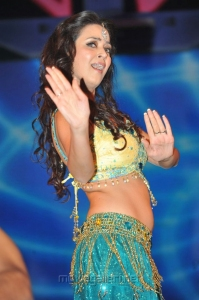 Maryam Zakaria Hot Dance in Maa Music Awards 2012