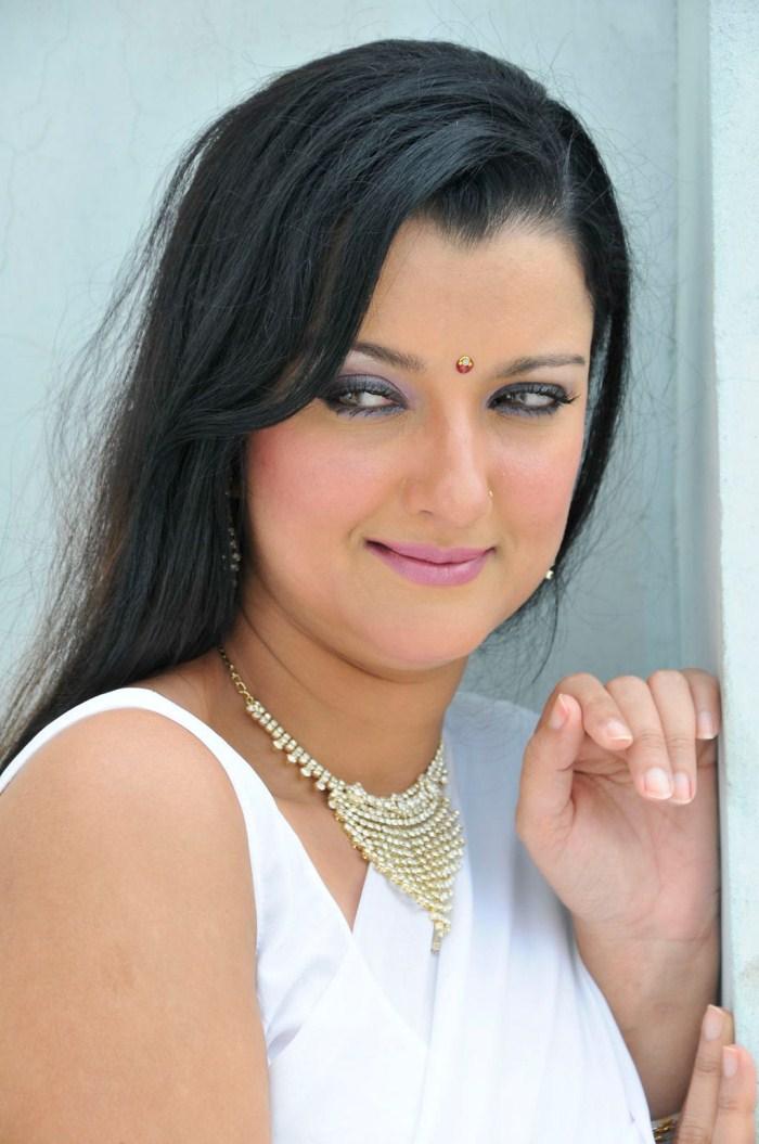Leena Chandavarkar Biography Www Imgkid Com The Image