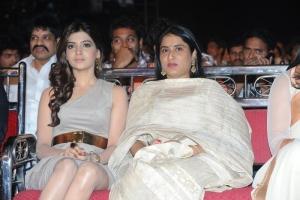 Samantha @ Lux Sandal Cinemaa Awards 2011
