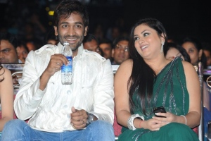 Namitha@ Lux Sandal Cinemaa Awards 2011