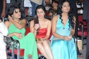 Tashu Kaushik, Rachana Maurya @ Lux Sandal Cinemaa Awards 2011