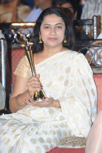 Suhasini Maniratnam @ Lux Sandal Cinemaa Awards 2011