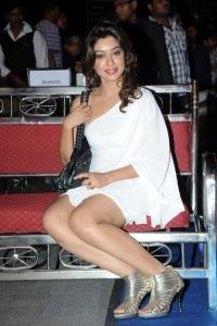 Actress Payal Ghosh Harika @ Lux Sandal Cinemaa Awards 2011