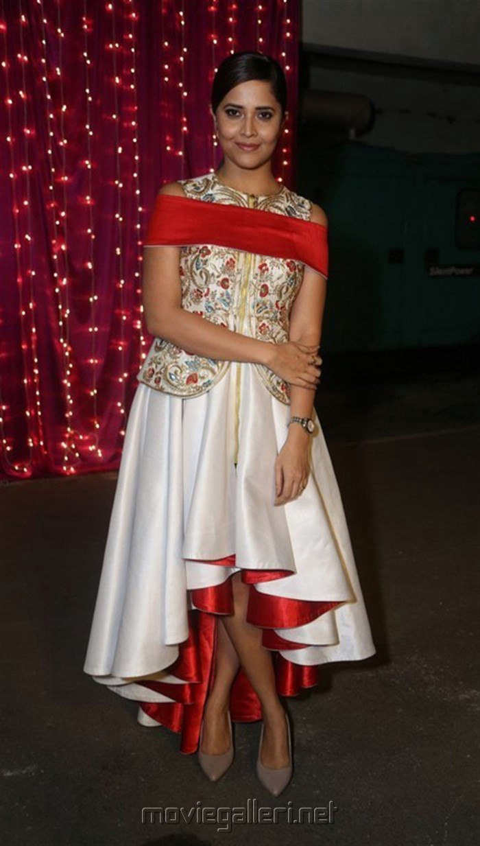 Anasuya @ Zee Telugu Apsara Awards 2017 Red Carpet Stills