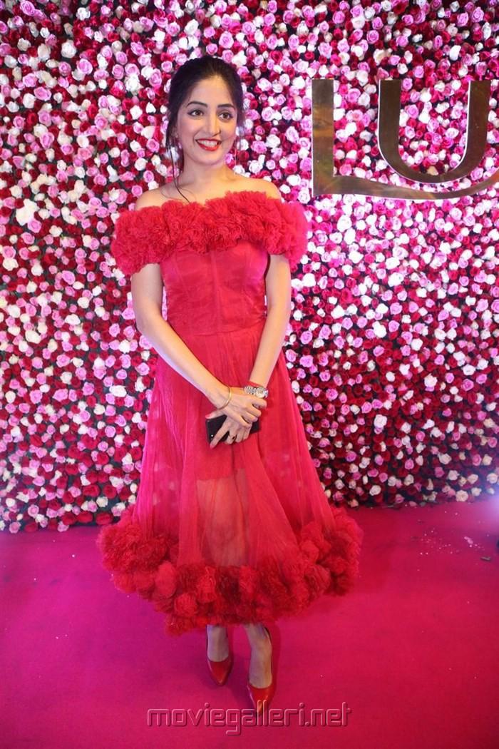Actress Poonam Kaur Lal @ Zee Telugu Apsara Awards 2017 Red Carpet Stills