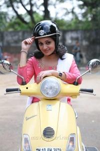 Actress Reshma Rathore in Adhagappattathu Magajanangalay Movie Stills