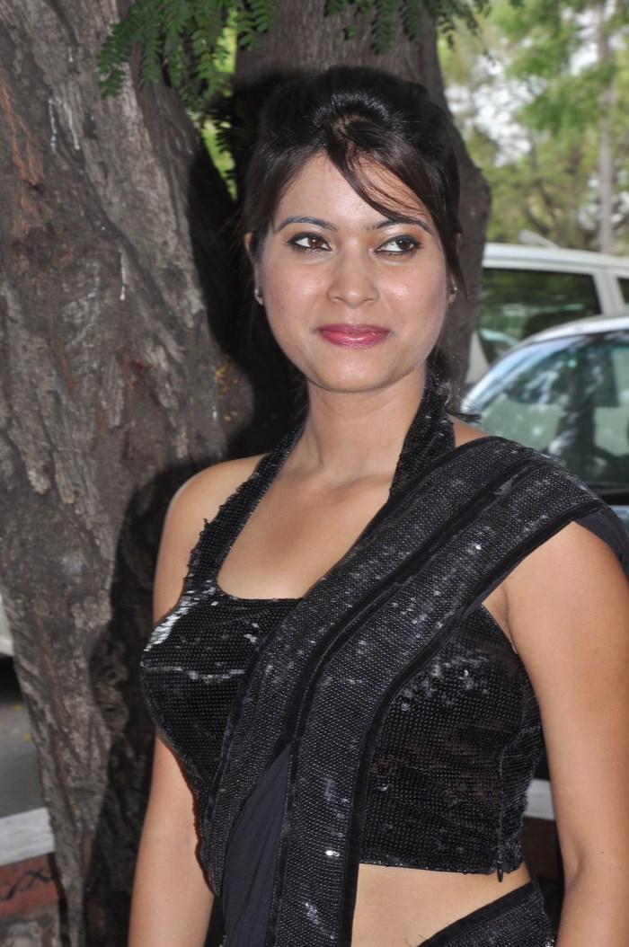 aarambam tamil movies online enterfreesoft