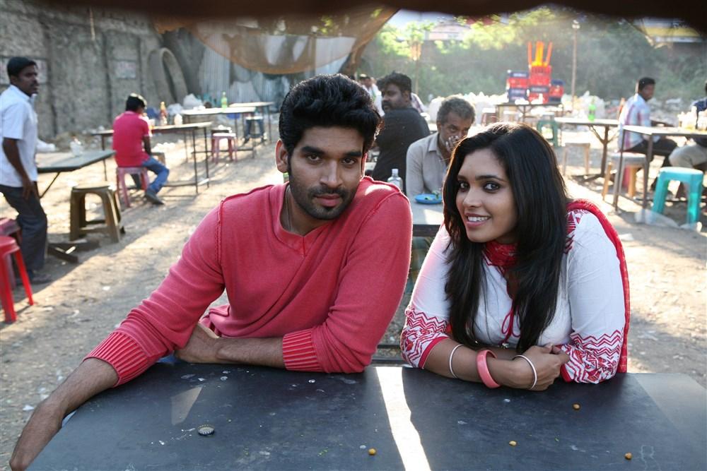 Suresh Ravi, Ishaara Nair in Adhi Medhavigal Movie Photos