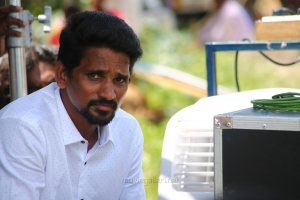Director KR Vinoth @ Adho Andha Paravai Pola Movie Shooting Spot Images
