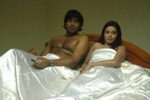 Aduthaduthu Tamil Movie Hot Photo Gallery