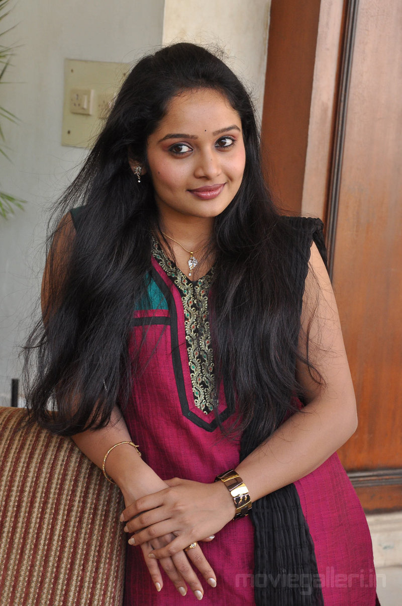 Tamil Actress Stills Advaitha Latest Hot Cute Gallery