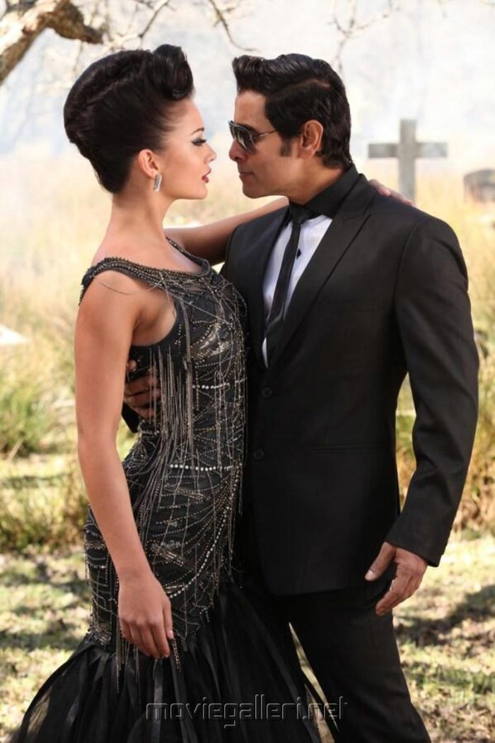 Amy Jackson, Vikram in Ai Movie Latest Stills