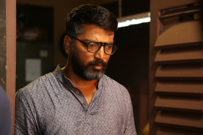 Actor Kalaiyarasan in Airaa Movie Stills HD