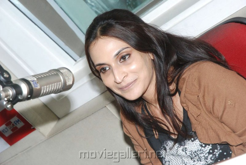Aishwarya Dhanush Latest Pictures