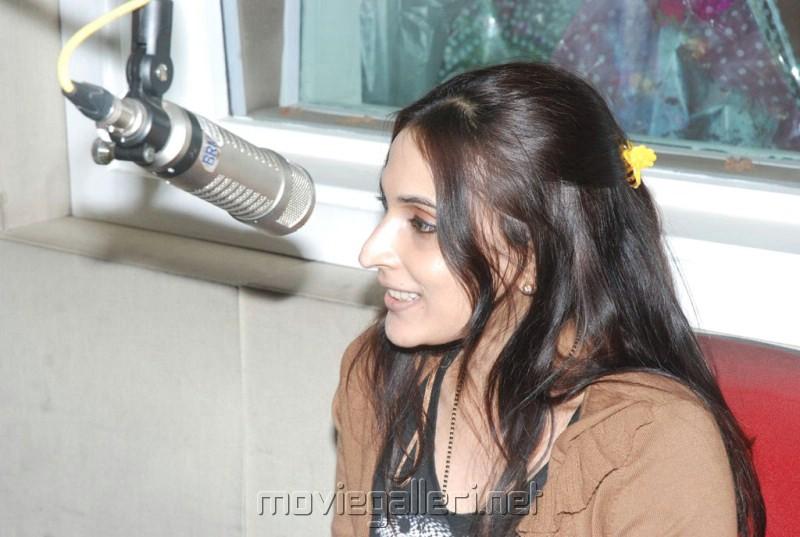Aishwarya Dhanush Latest Pictures