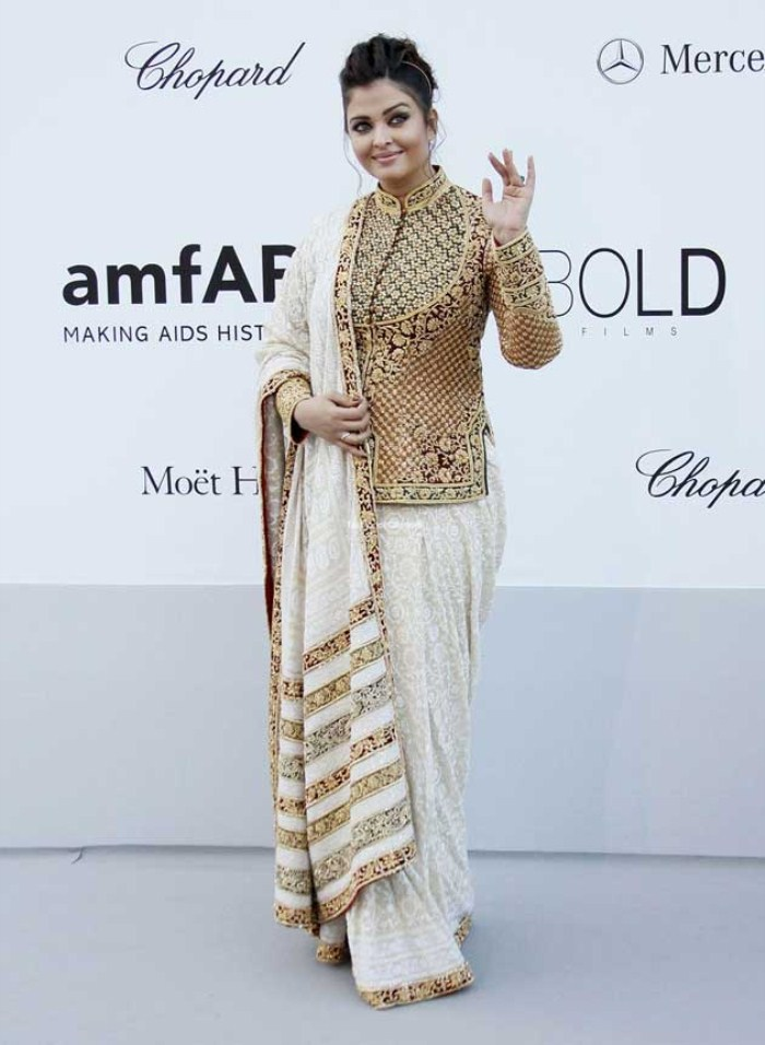 Aishwarya Rai Pics at Cannes film festival 2012