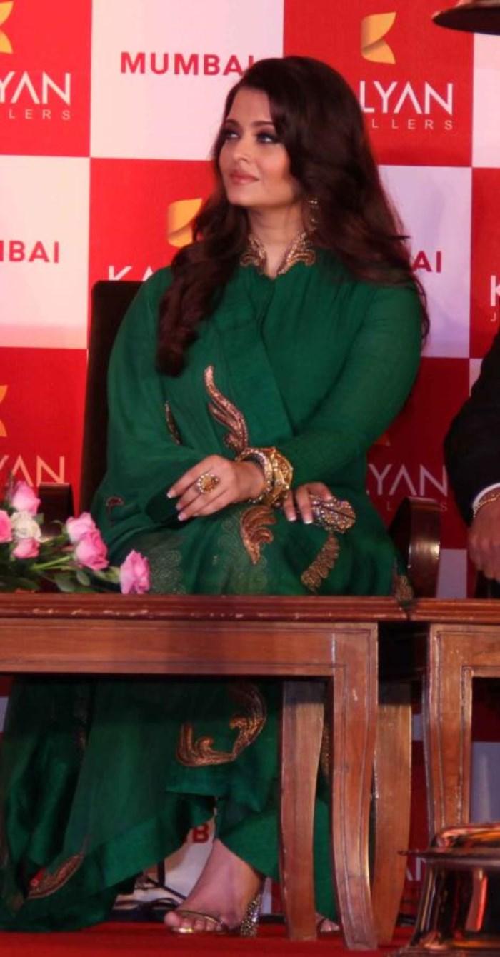 Aishwarya Rai in Green Salwar Kameez Photos [ Gallery View ]
