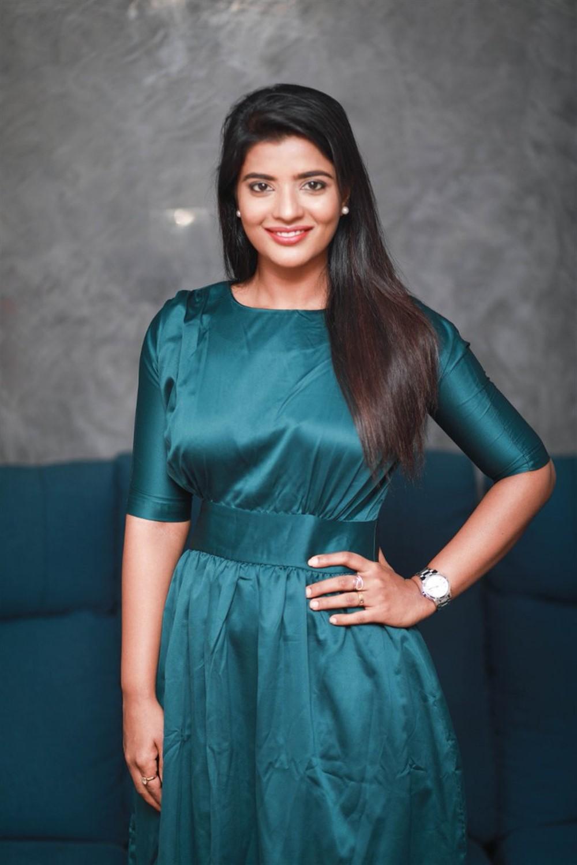 Actress Aishwarya Rajesh Latest Photoshoot Pictures
