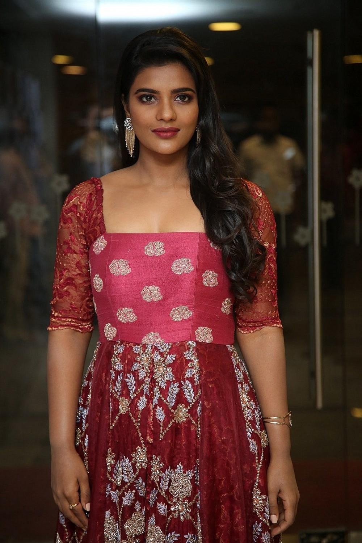 Actress Aishwarya Rajesh Stills @ Missmatch Pre Release