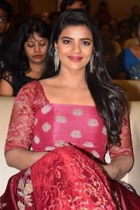 Actress Aishwarya Rajesh Stills @ Mismatch Pre Release