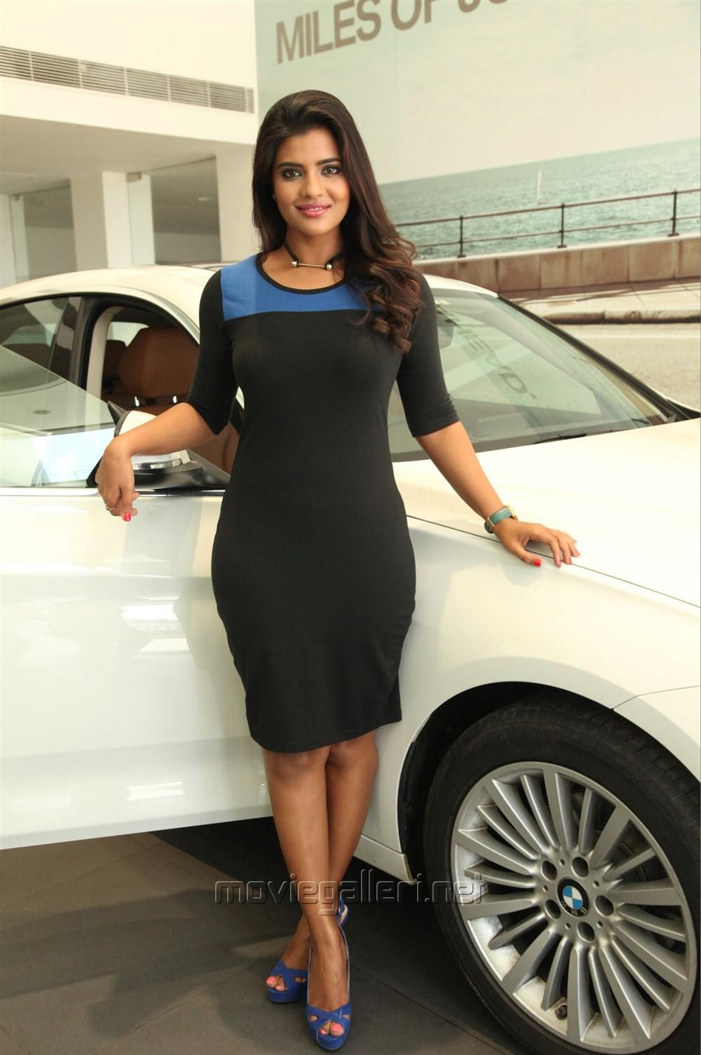 Actress Aishwarya Rajesh New Photo Shoot Images