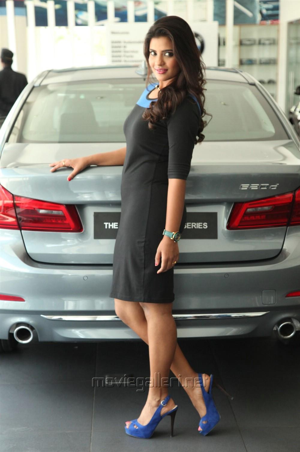 Actress Aishwarya Rajesh Recent Hot Photos
