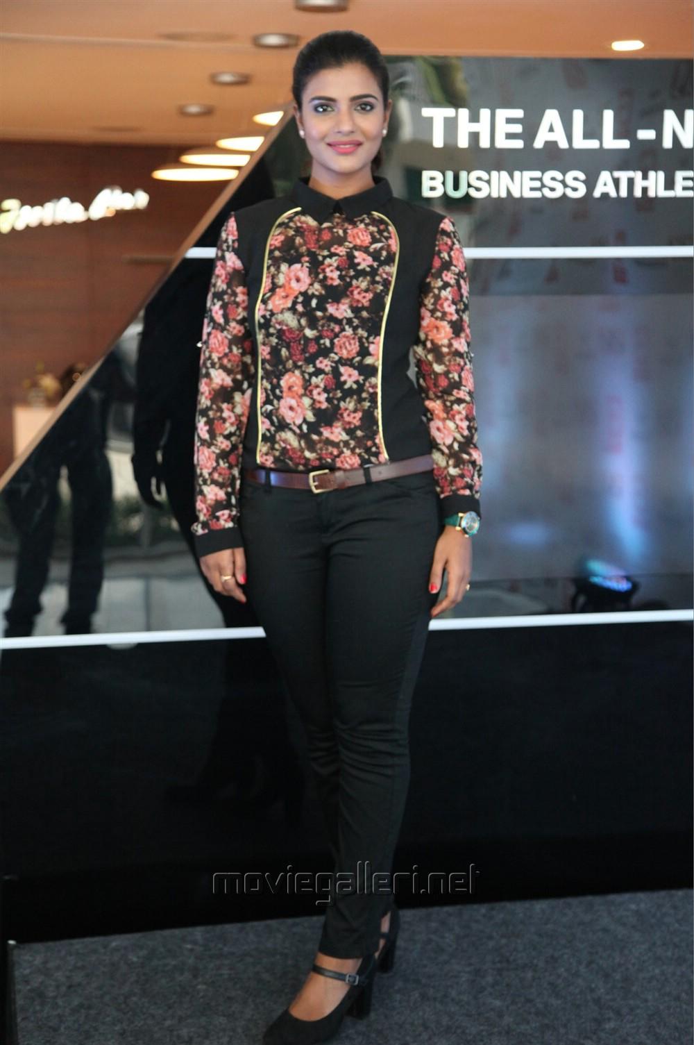 Actress Aishwarya Rajesh New Photoshoot Images
