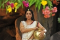Actress Anushka in Akilandakodi Brahmanda Nayagan Movie Images HD
