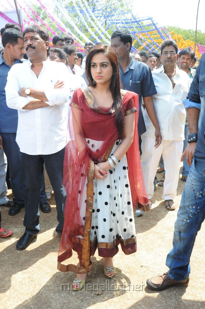 Aksha at VSR Productions Prod No 1 Movie Opening