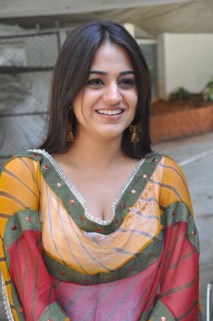 Aksha Pardasany Picture 428438 Actress Aksha Pardasany New Images in