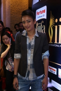 Actress Akshara Haasan Pictures @ IIFA Utsavam Awards 2017 Press Meet