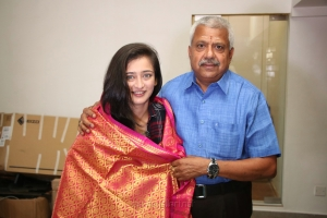 Actress Akshara Haasan visits Knack Studios Chennai Photos