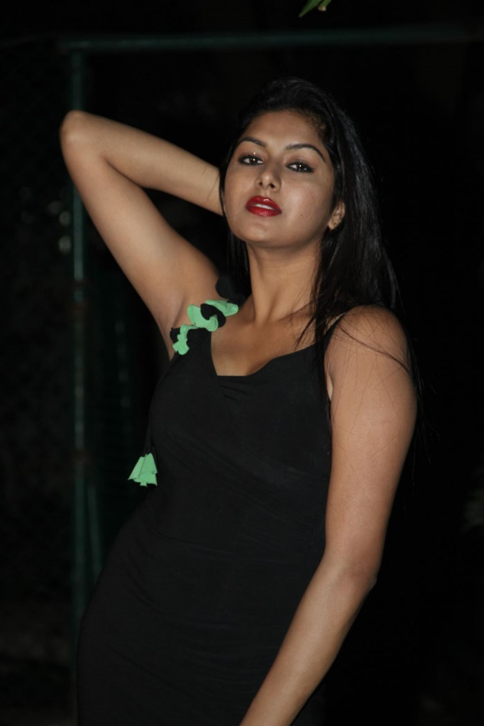 Akshitha Hot Stills at Thanu Monne Vellipoyindi Audio Release