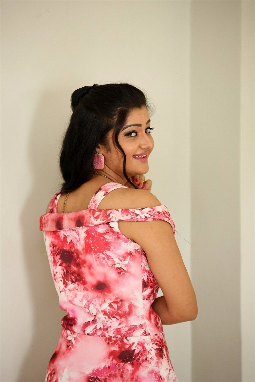 Actress Pallavi Naidu Pictures @ Prementha Panichese Narayana Press Meet