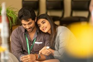 Allu Arjun, Pooja Hegde in Ala Vaikuntapuramlo Movie Stills HD