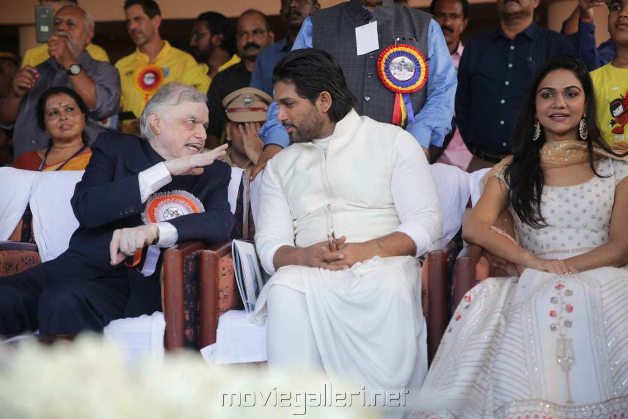 Palanisamy Sathasivam, Allu Arjun, Sneha Reddy @ 66th Nehru Trophy Boat Race Photos