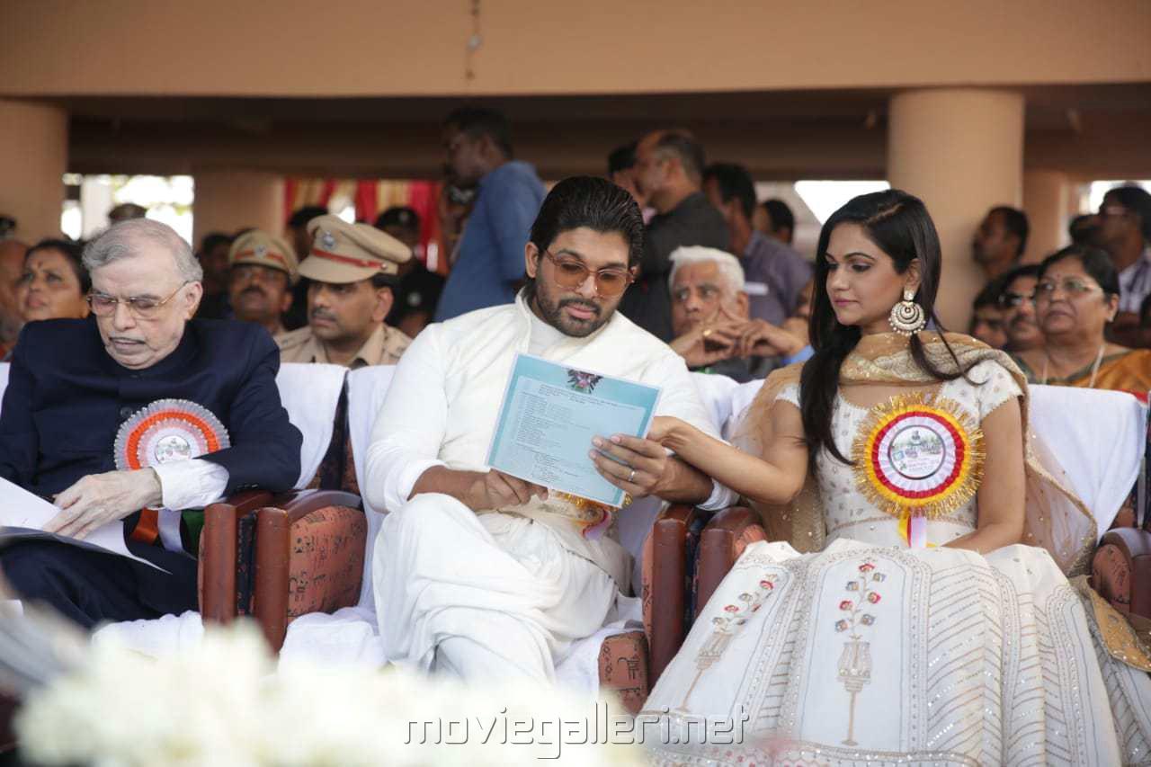 Allu Arjun @ 66th Nehru Trophy Boat Race 2018 Vembanad Alappuzha Kerala Photos