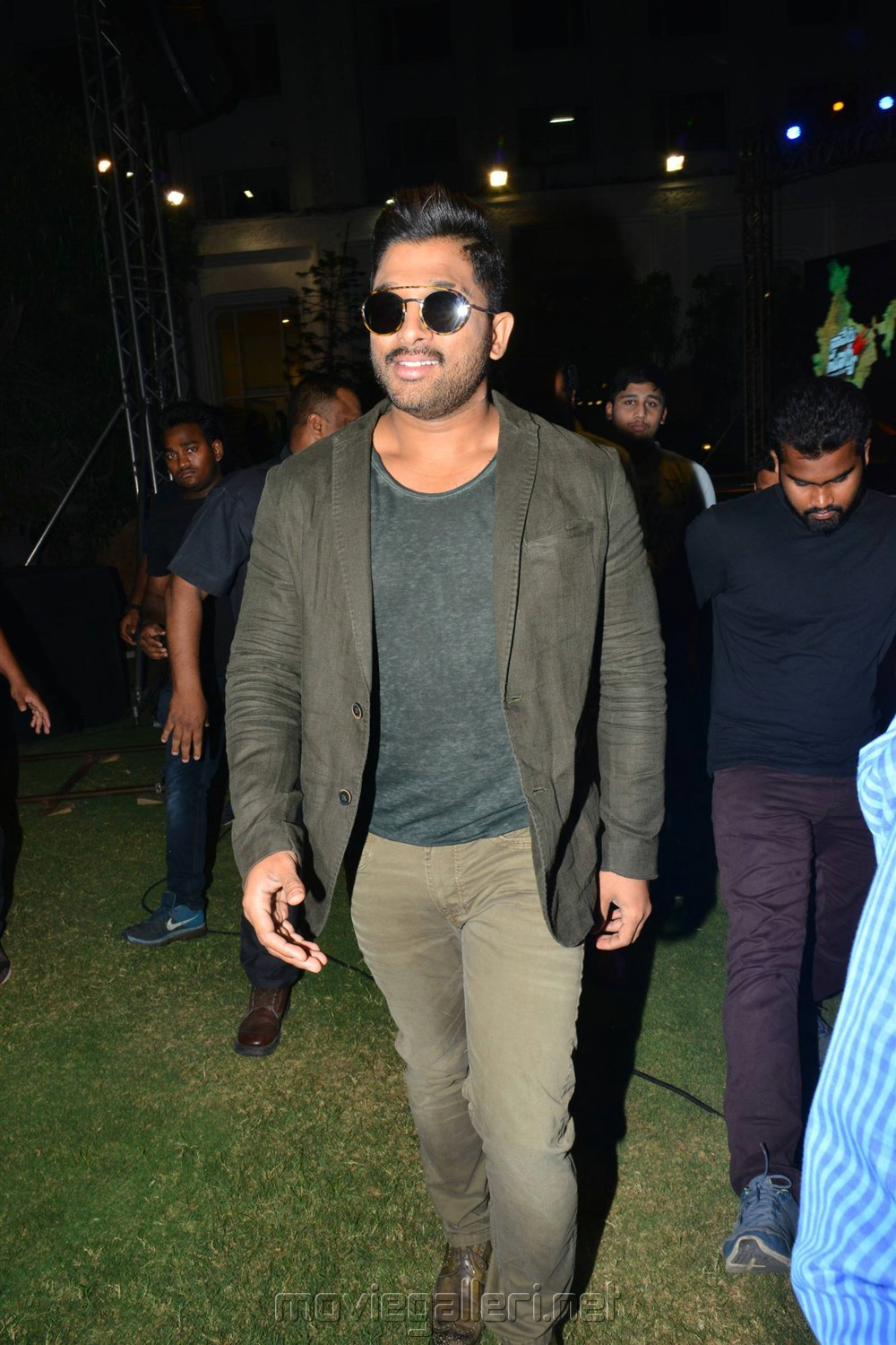Actor Allu Arjun Images @ Naa Peru Surya Thank You India Meet