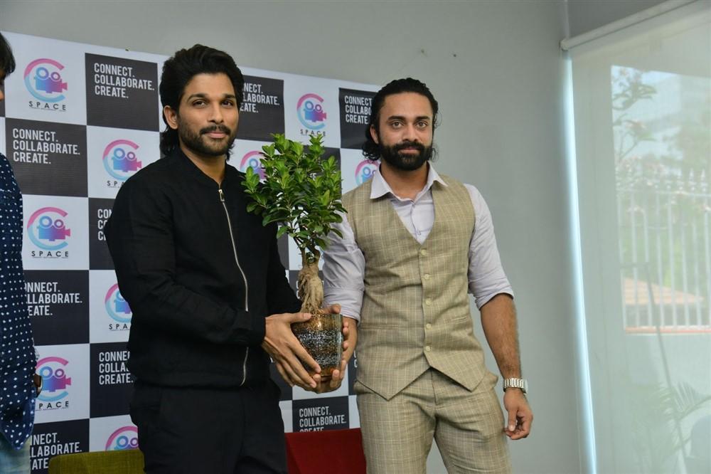 Allu Arjun launches Navdeep C-Space Photos