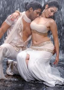 Allu Arjun Tamanna Hot in Badrinath Movie Latest Stills
