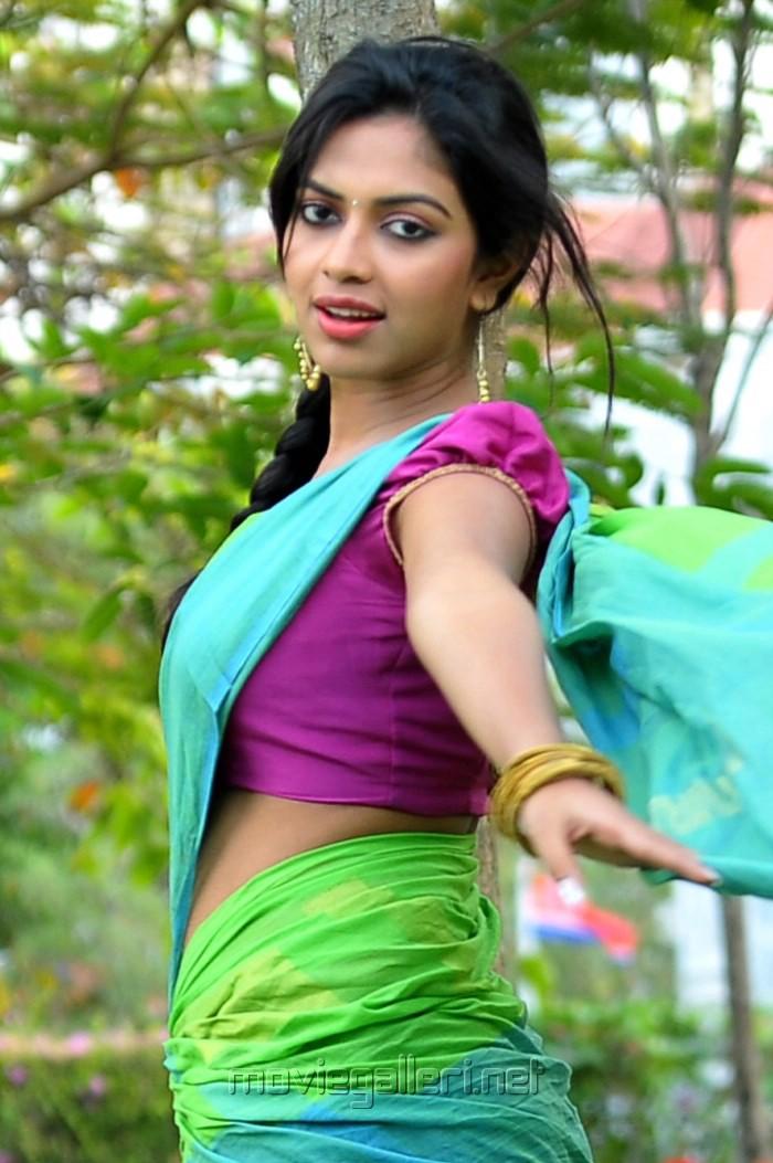 Actress Amala Paul in Half Saree Hot Pics