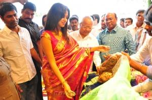 Amala Paul launches Kalanikethan Showroom @ Coimbatore Photos