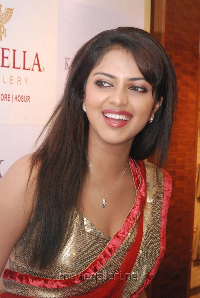 Amala Paul Hot Saree