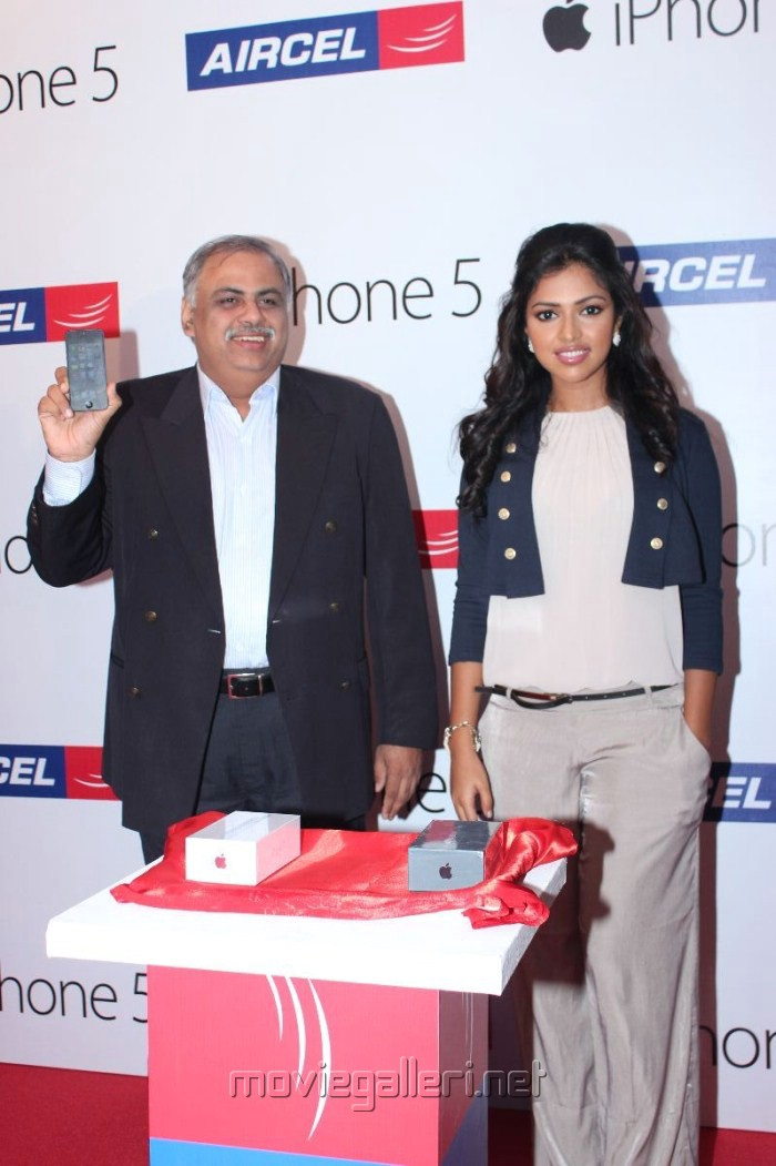 K.Sankara Narayanan launches Aircel iPhone 5 Photos