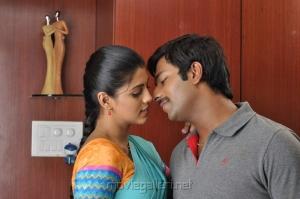 Actress Iniya, Shanthanu Bhagyaraj in Ammavin Kaipesi Movie New Photos