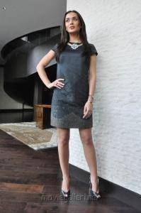 I Movie Actress Amy Jackson Images