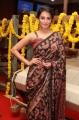 Anita Hassanandani @ An Ode To Weaves & Weavers Fashion Show by Shravan Kumar Photos