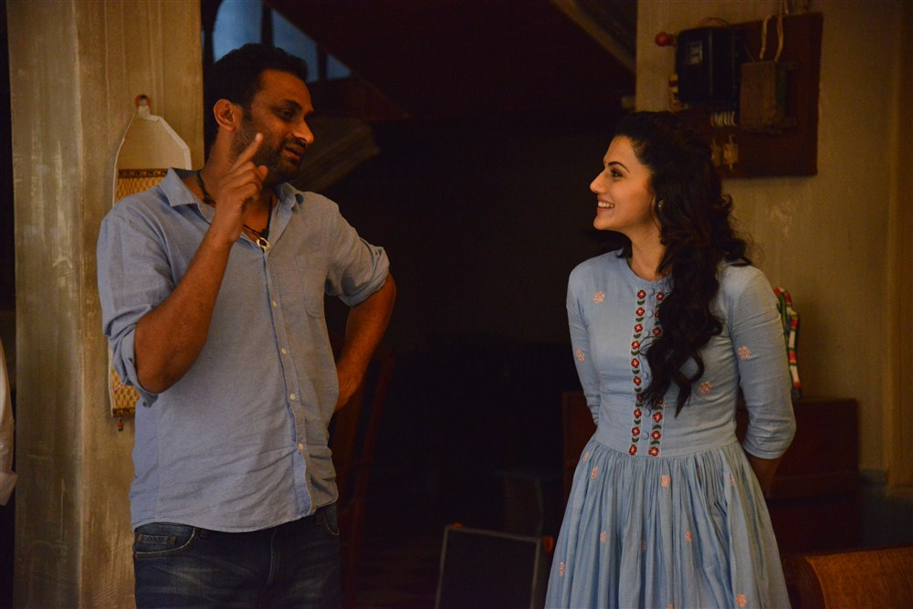 Mahi V Raghav, Taapsee @ Anando Brahma Working Photos